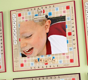 diy-scrabble-board-photo-frame