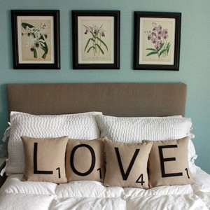 diy-scrabble-pillows