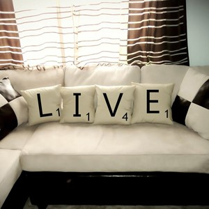 scrabble-pillows-home-decor